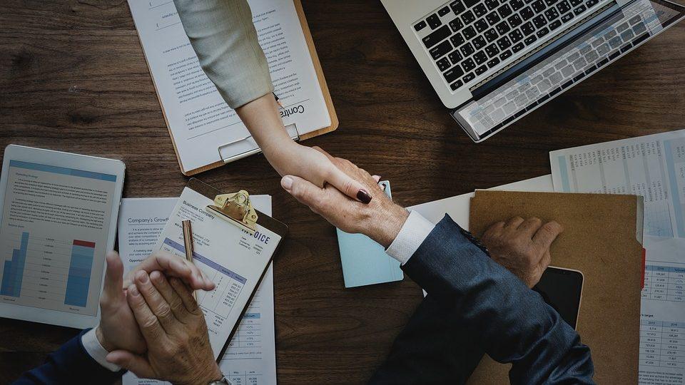 hand shake meeting